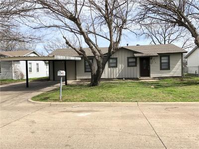 White Settlement Single Family Home Active Option Contract: 816 Renfro Drive