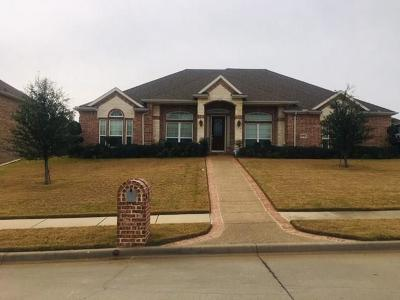 Kennedale Single Family Home Active Contingent: 1272 Forest Green Drive