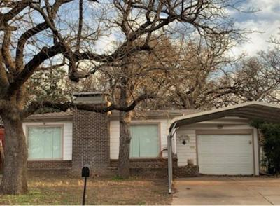 Mineral Wells TX Single Family Home Active Option Contract: $79,500