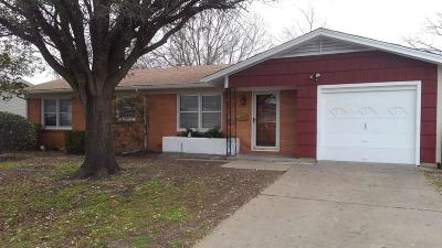 Burleson Single Family Home For Sale: 205 Moody Street