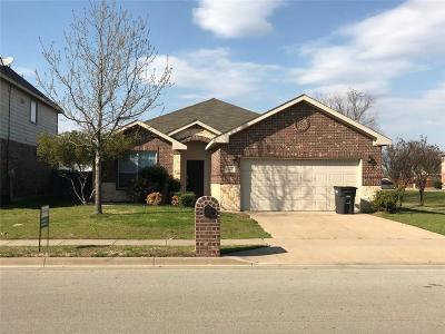 Fort Worth Single Family Home For Sale: 412 Goldstone Lane