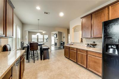 Denton Single Family Home For Sale: 7009 Bishop Pine Road