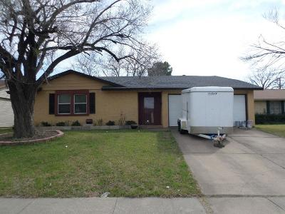 Grand Prairie Single Family Home For Sale: 309 Hawthorne Lane