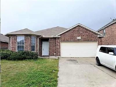 Fort Worth Single Family Home For Sale: 9729 Minton Drive