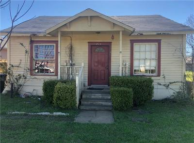 Cleburne Single Family Home For Sale: 214 Lipscomb Street