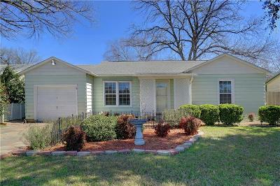 Hurst Single Family Home For Sale: 504 Harrison Lane