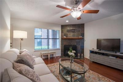 Tarrant County Condo For Sale: 3205 Donnelly Circle #204
