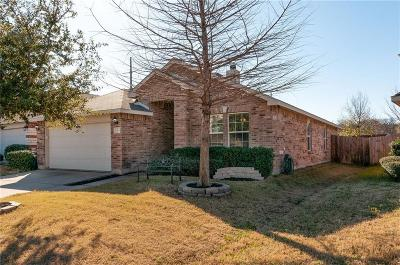 Fort Worth Single Family Home For Sale: 12505 Foxpaw Trail