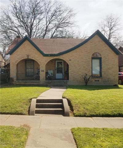 Fort Worth Single Family Home For Sale: 3716 Avenue K