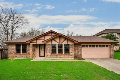 North Richland Hills Single Family Home For Sale: 6613 Chilton Drive