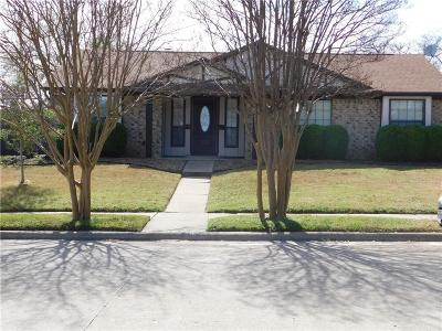 Garland Single Family Home For Sale: 218 W Amberway Lane
