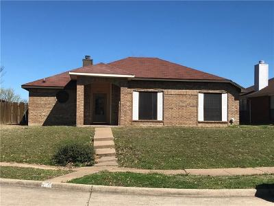 Garland Single Family Home For Sale: 2117 Woodglen Drive