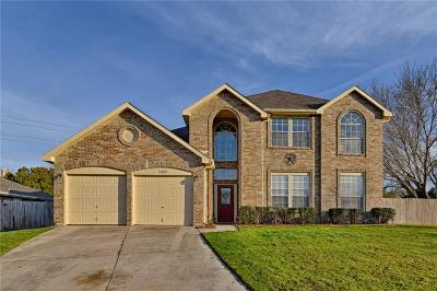Grand Prairie Single Family Home For Sale: 2352 Warrington Drive