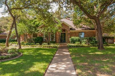 Keller Single Family Home For Sale: 1138 Misty Oak Lane