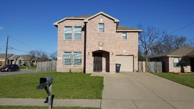 Tarrant County Single Family Home For Sale: 2901 Dillard Street