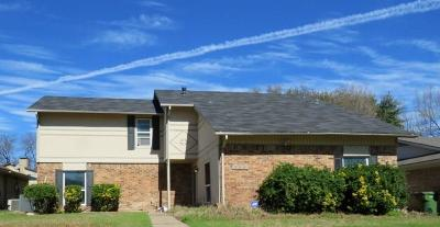 Garland Single Family Home For Sale: 709 Middle Glen Drive