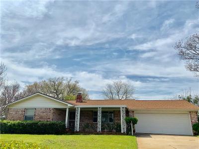 White Settlement Single Family Home For Sale: 521 Branch Circle E