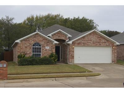 Tarrant County Single Family Home For Sale: 4521 Hayden Place