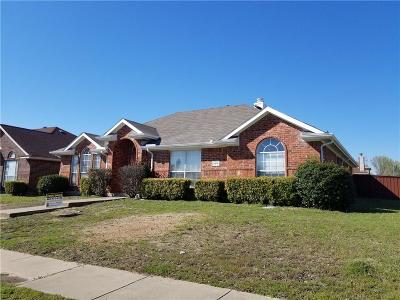 Lancaster Single Family Home For Sale: 2215 Thoroughbred Crossing