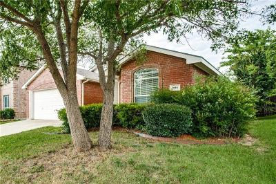 Fort Worth Single Family Home For Sale: 9016 Nightingale Drive