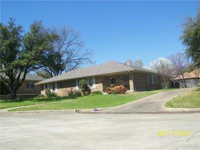 Grand Prairie Single Family Home For Sale: 2010 Dogwood Court