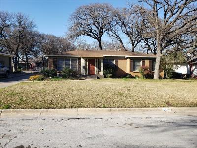 Fort Worth Single Family Home For Sale: 5261 Lambeth Lane