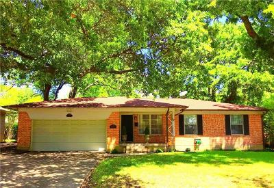 Dallas Single Family Home For Sale: 6611 Highgate