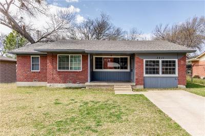 Denton Single Family Home For Sale: 3211 Avon Street