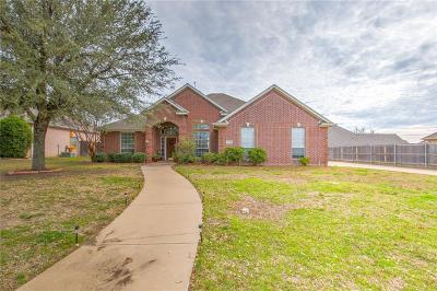 Cleburne Single Family Home For Sale: 1605 Twin Oaks Drive
