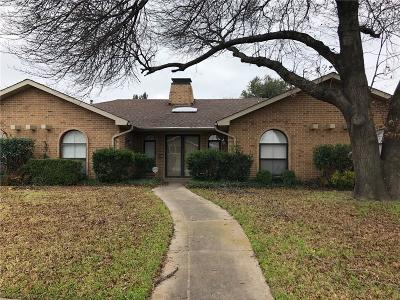 Dallas Single Family Home For Sale: 6708 Roundrock Road