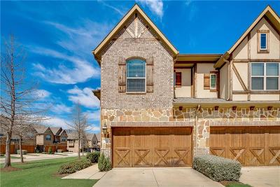Euless Townhouse For Sale: 1001 Brook Forest Lane