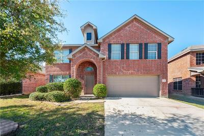Tarrant County Single Family Home For Sale: 521 Moonrise Drive