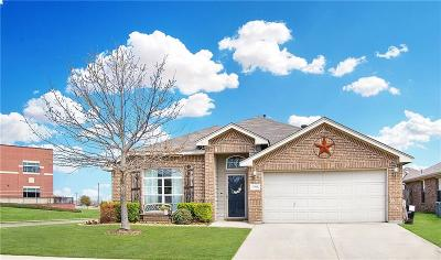 Fort Worth Single Family Home For Sale: 1360 Barrel Run