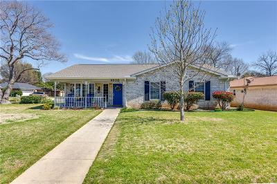 North Richland Hills Single Family Home For Sale: 4608 Lariat Trail