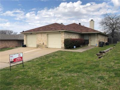 Tarrant County Multi Family Home Active Option Contract: 2826 Ridgecrest Drive