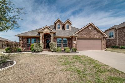 Tarrant County Single Family Home For Sale: 1105 Jake Circle