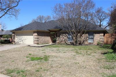 North Richland Hills Single Family Home For Sale: 6853 Old Mill Road