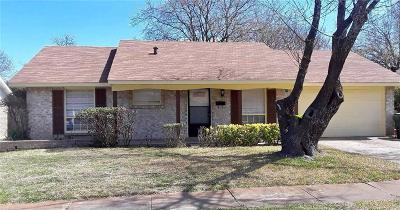 Garland Single Family Home For Sale: 406 Meadowhill Drive
