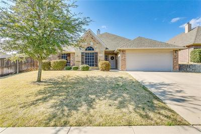 Burleson Single Family Home For Sale: 934 White Marlin Drive