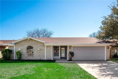 Irving Single Family Home For Sale: 2624 W Oakdale Road