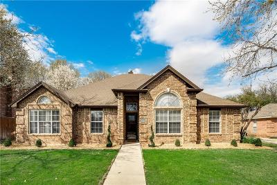 North Richland Hills Single Family Home For Sale: 7825 Hidden Oaks Drive