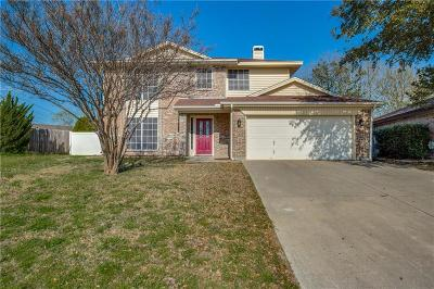 Benbrook Single Family Home For Sale: 7101 Summerset Drive