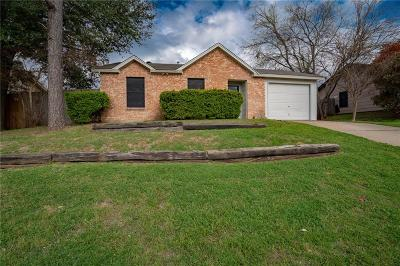 Johnson County Single Family Home For Sale: 624 Black Hills Drive