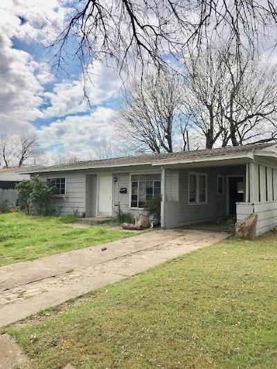 Grand Prairie Single Family Home For Sale: 918 Indian Hills Drive