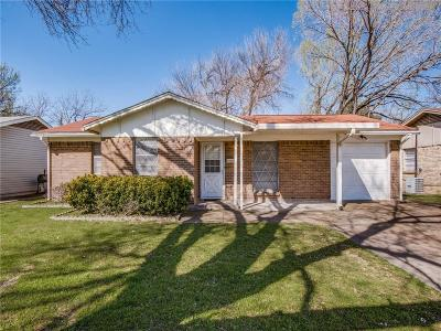 Irving Single Family Home For Sale: 921 Louise Street