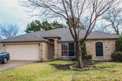 Grand Prairie Single Family Home For Sale: 4648 Betts Drive