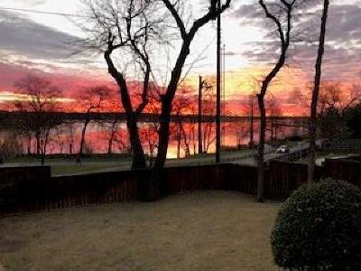 Dallas Single Family Home For Sale: 7563 Benedict Drive