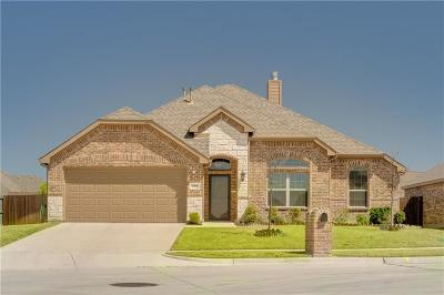 Forney Single Family Home For Sale: 220 Arbury Drive