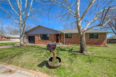 Cooke County Single Family Home For Sale: 203 S Pine Street