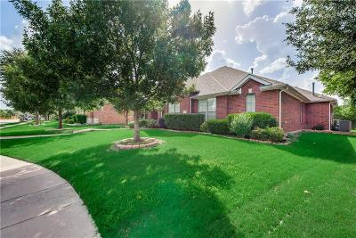 Garland Single Family Home For Sale: 913 Blazing Star Drive